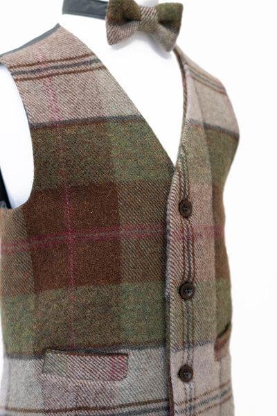Love Mo Chuisle - Boys 5 Autumn plaid waistcoat €69.95