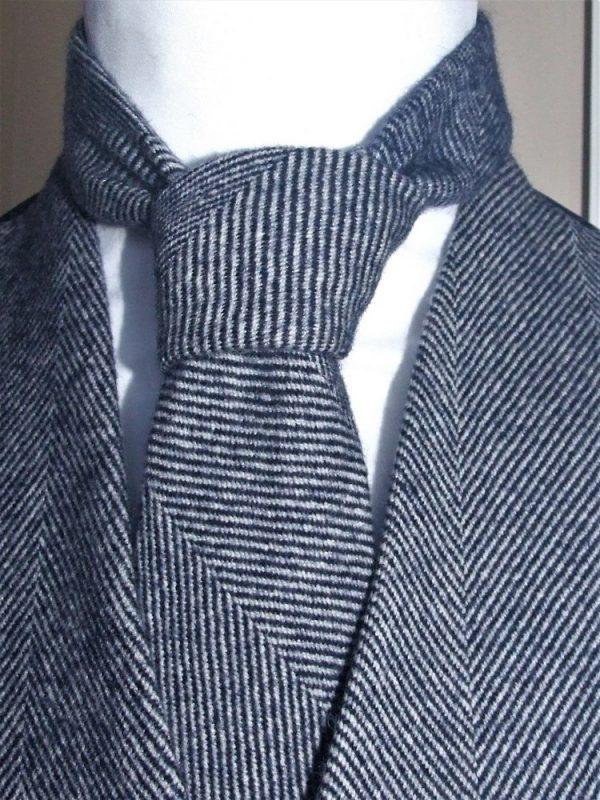 DSCF4057 2 Men's Irish Tweed Tie Navy Herringbone