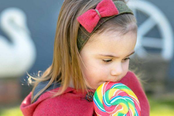 IMG 4329 e1529651658697 Girls Irish Tweed Hairband Autumn Plain with Raspberry Bow