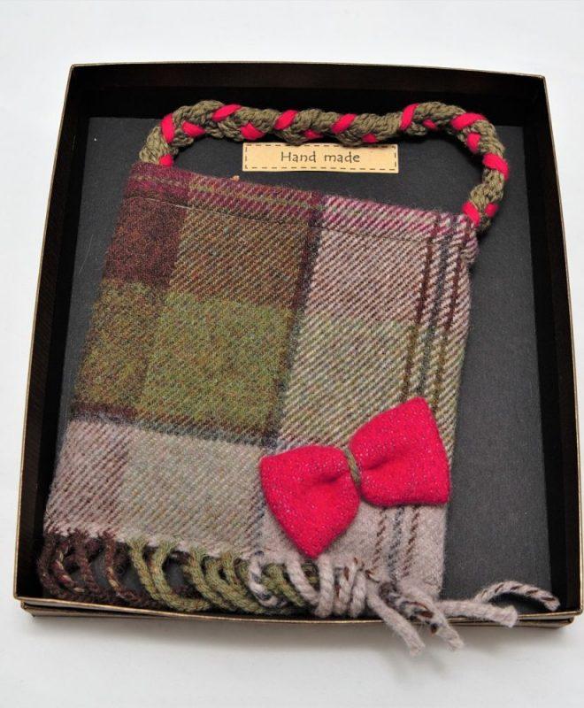 Irish tweed autumn plaid pouch bag with raspberry bow_opt (1)