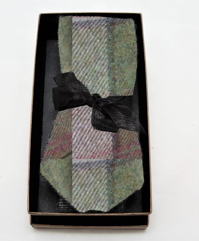 Mens-autumn plaid-Irish-tweed-tie-€55.95--100%-Lambswool.--In-a-branded-gift-box