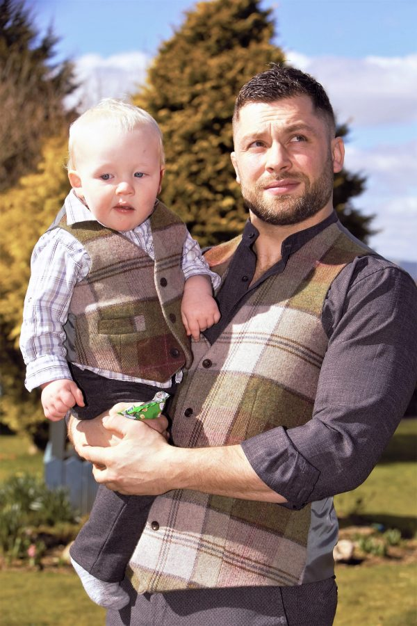 Mens autumn plaid Irish tweed waistcoats €129 with matching bow tie €39.95 100 Lambswool. Size XS XXL scaled Men's Irish Tweed Autumn Plaid Waistcoat