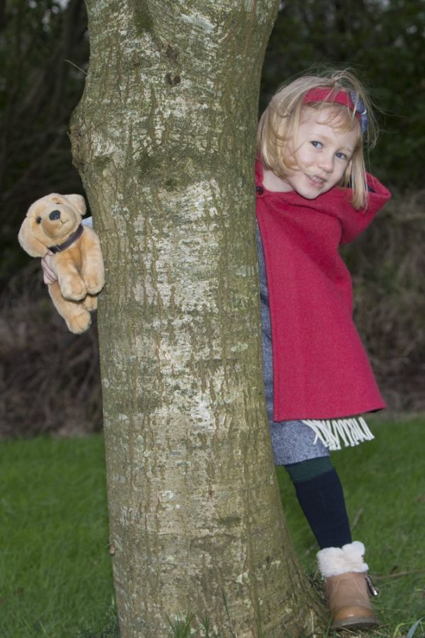 1DX 1071 Girls Irish Tweed Raspberry Cape