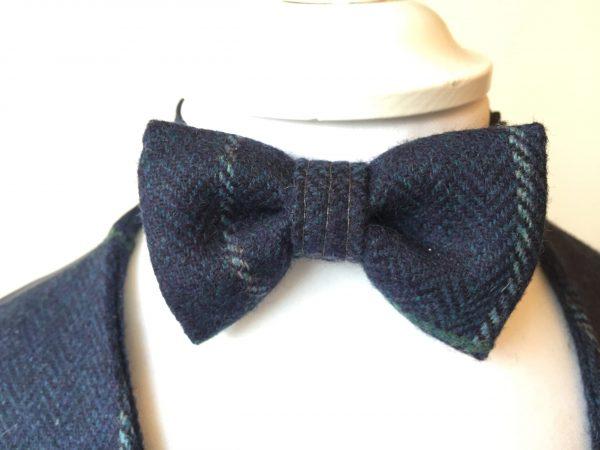 Navy bow-tie