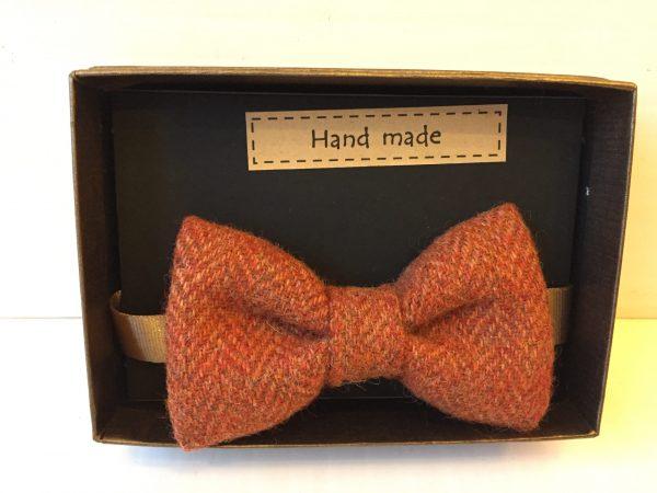 Rust bow tie