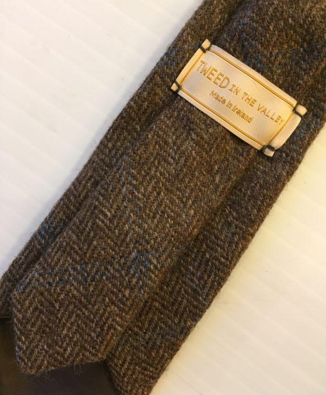Brown tweed tie