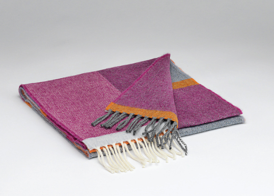 Tweed in the valley lambswool scarf pinks Lambswool Scarf Pink