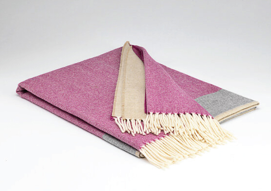 Tweed in the valley lambswool throw Pink pastel Lambswool Throw Pink Pastel