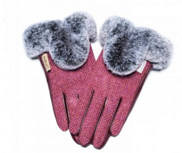 Tweed in the valley 1 Ladies fur Maroon Herringbone Harris Tweed Gloves  size Medium and large Snow Paw €45 Ladies Fur Maroon Herringbone Harris Tweed Gloves