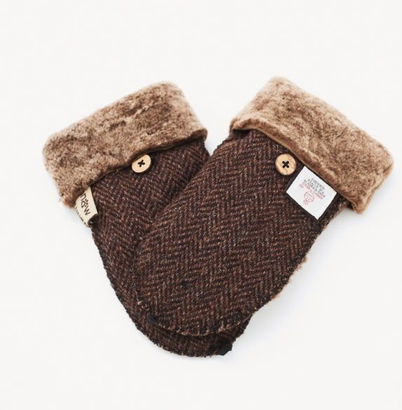 Tweed in the valley 1 snowpaw brown herringbone mitts one size €39 Brown Herringbone Mitts Gloves