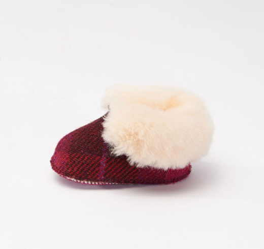 Tweed in the valley Snow Paw Fuschia baby boot 6 12 months €29.95 Fuschia baby boot 6-12 months