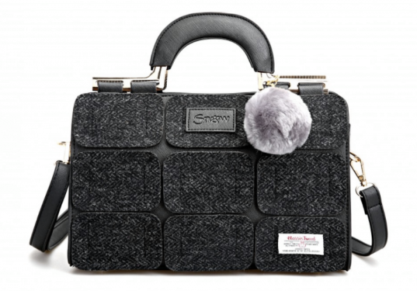 Tweed in the valley Snow paw Grey tweed bag €89 Grey Tweed Bag