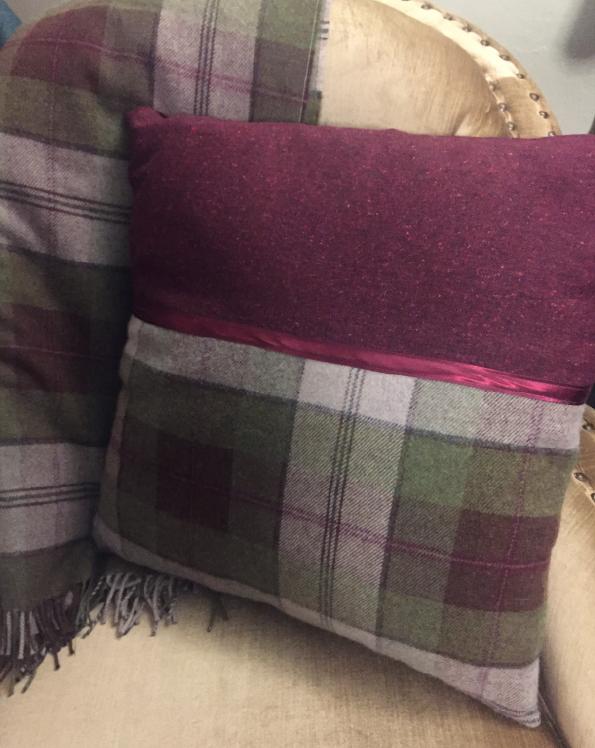 Tweed cushion satin trim Tweed in the valley