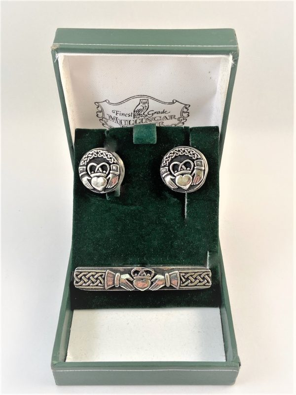 Tie Pin & Cufflinks. Fathers Day gifts